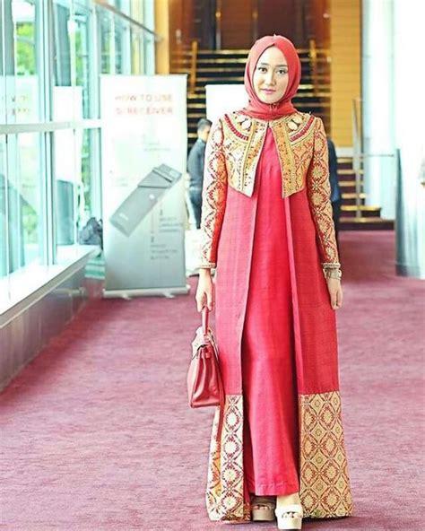 Kumpulah Khotbah Jumat Masa Kini kumpulan gambar baju batik modern wanita berhijab masa