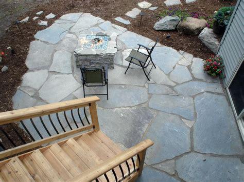 10 Ways To Upgrade Your Outdoor Spaces Diy Flagstone Patio Diy