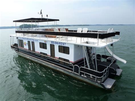 what is a house boat 53 foot deluxe houseboat
