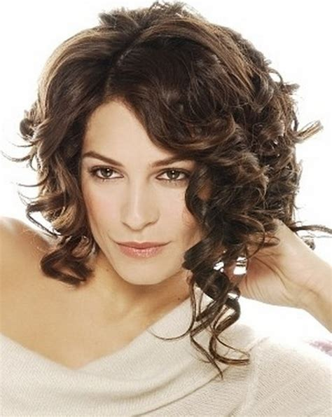 how to curly a short bob hairstyle curly bob hairstyles beautiful hairstyles