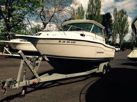 Seaswirl 2600 Sport Cabin by 26 Foot Boats For Sale In Or Boat Listings