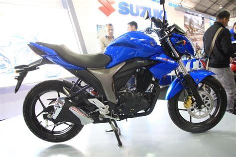 Suzuki Gixxer 150 Photos La Moto Deportiva M 225 S Premiada Pasado A 241 O No Pod 237 A