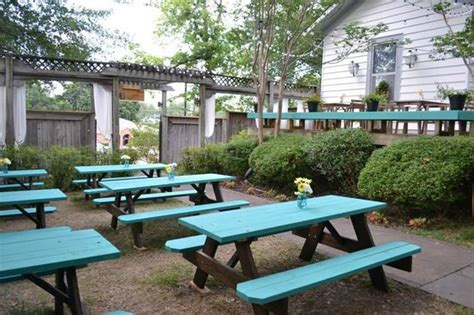 outdoor restaurant picnic tables picnic tables picture of the garden restaurant