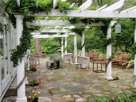 How To Decorate A Deck For A Wedding Gartenlaube Und Pergola Begr 252 Nen Welche Pflanzen Eignen