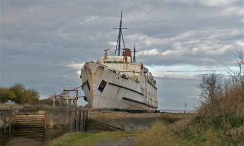 free abandoned boats uk explorer enters abandoned cruise ship which sat rusting in