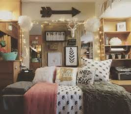 College Bedroom Decorating Ideas by Best 25 College Bedrooms Ideas On Pinterest College