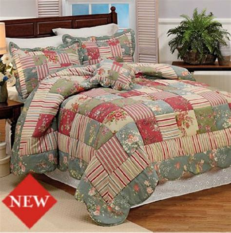 Country Patchwork Quilt Sets - vintage country style stripes and floral patchwork quilt