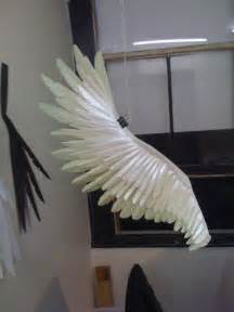 How To Make Wings Out Of Paper - fabulous paper feathers cardboard and paper things i