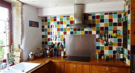 cr馘ence cuisine en verre faience en verre pour cuisine maison design bahbe com