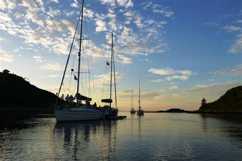 sailing hire loch lomond sailing in scotland holidays boat hire visitscotland