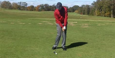 golf swing hitting the ground golf lesson stop hitting the ground before the ball i