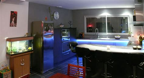 eclairage led cuisine plan travail ixina les tablettes lumineuses cuisine faades laques