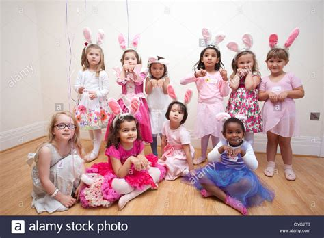 birthday themes 5 year old 5 year old girls birthday party all dressed as in party