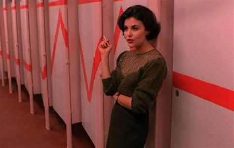 highschool bathroom sex the twin peaks log s 1 e 4 women write about comics
