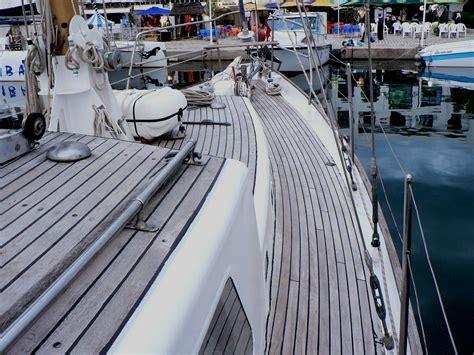 highlander deck sailing yacht highlander 187 yacht layout accommodation