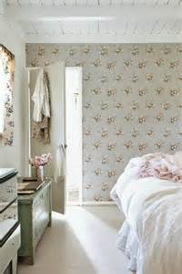 Romantic Bedroom Wallpapers 20 Beautiful Examples Of What Happens When You Utilize