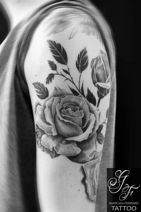 tatuaggi fiori realistici tattoo tatuaggi napoli naples italy realistic gianluca