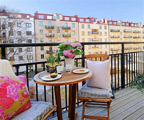 15 Charming Decorating Ideas for Your Balcony, Spring