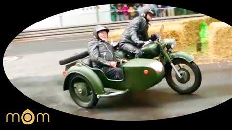 Ural Motorrad Youtube by Alter Russe Ural Gespann Im Drift Youtube