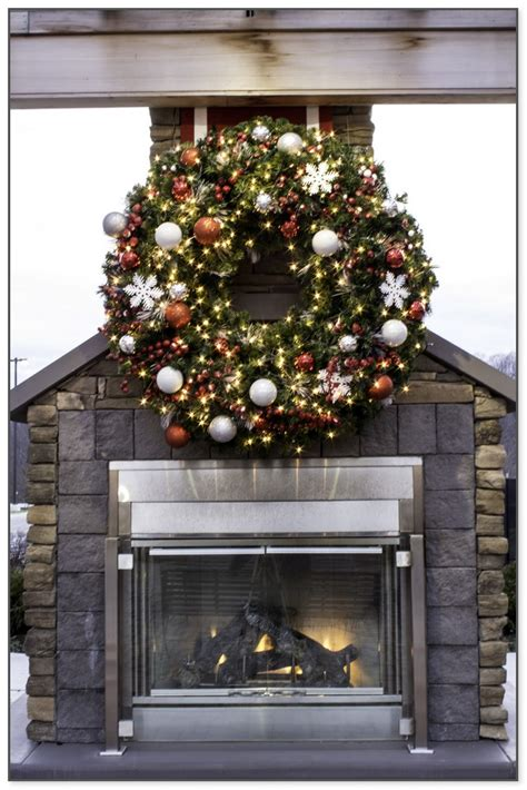 large outdoor christmas wreath  lights