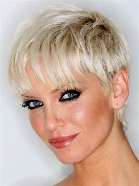 highlight for very short haircuts woman with very short platinum blonde highlights hair