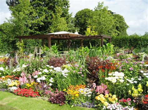 Flower Gardens Ideas Garden Flower Design Ideas Simple Home Decoration
