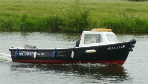 16 ft open boat self drive day boats for hire on the royal river thames