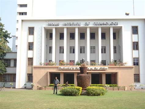 For Mba In Iit by Iit Kharagpur Launches Microbotics Course In India