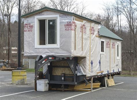 college senior building 5th wheel tiny house