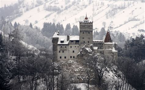 home to dracula s castle in transylvania dracula s castle bran transylvania romania wallpaper