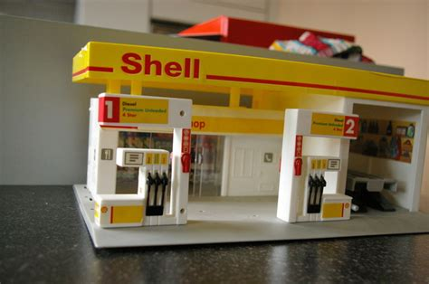 Burago Shell Set Isi 4 shell garage with 17 diffrent cars catawiki