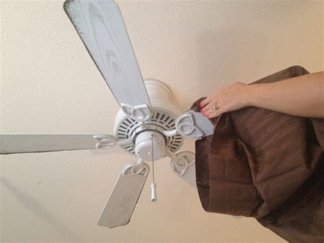 How To Clean Fan Blades Without A Dusty Mess
