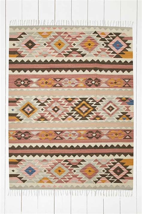 Aztec Kitchen Rug Best 25 Aztec Rug Ideas On Bohemian Rug Kitchen Carpet And Aztec Room