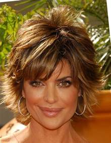 back view of rinna hairstyle short haircut and lisa rinna looking younger with a choppy hairstyle long hairstyles