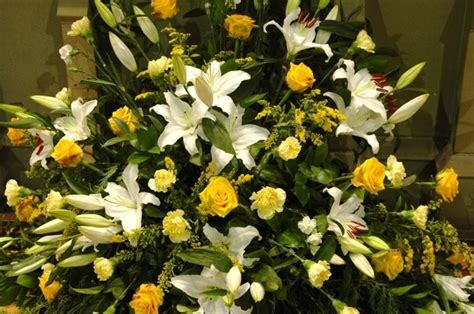 fiori per composizioni floreali composizioni floreali liturgiche regalare fiori fiori