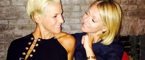 is kelly ripa fight with jessica seinfeld how kelly ripa celebrated her best friend jessica seinfeld