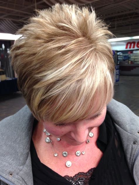 short brown hair with blonde highlights short hair with blonde highlights hair colorr pinterest