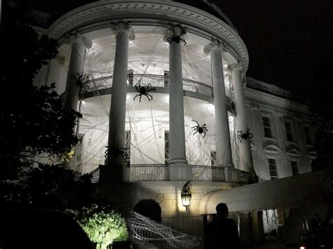 white house halloween the white house gets a spooky halloween makeover abc news