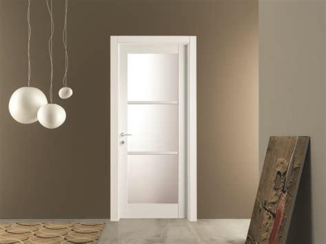 porte con vetro satinato porte con vetro satinato beautiful porta con inserti in