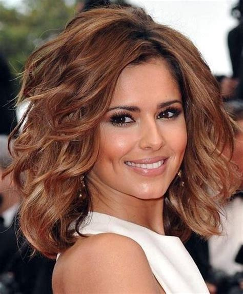 hair cuts for women between 40 45 1117 best over 40 hairstyles images on pinterest short