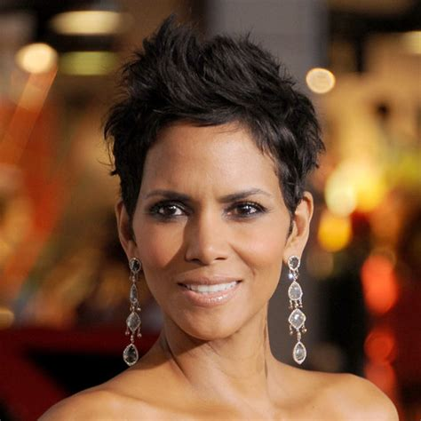 what does halle barre use in her hair to grt it to stand up on top how to style a pixie haircut like halle berry popsugar