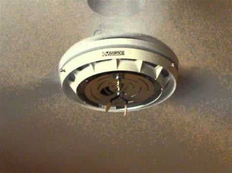 ventilatore a soffitto vortice ventilatore vortice vibrazione
