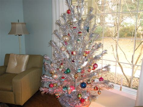 1950s aluminum christmas tree tinselmania 73 vintage aluminum trees retro renovation