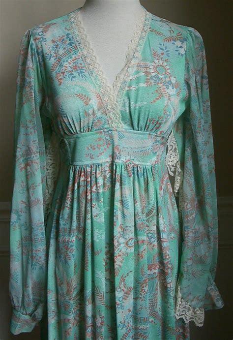 vintage clothing vintage  floral hippie chic dress  empire waist  poet sleeves