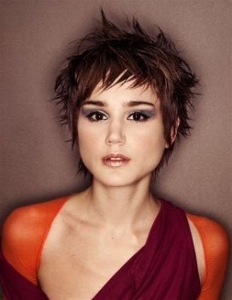 short choppy hairstyles for women
