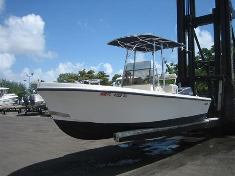 mako boat with yamaha 1992 mako 19 cc with 2003 yamaha 150 hpdi the hull