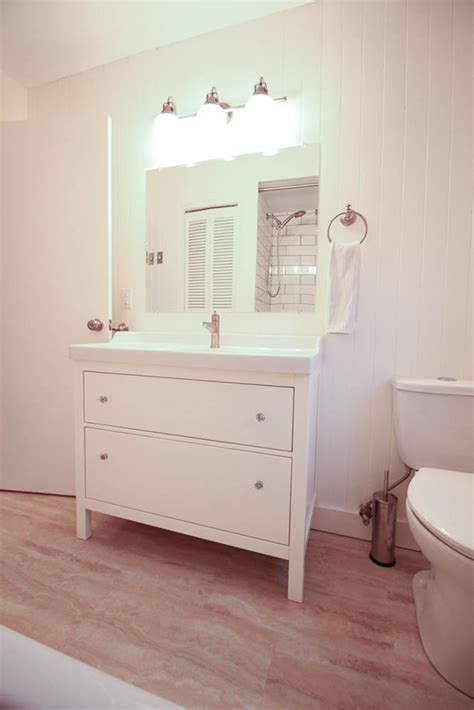 Ikea Bathroom Makeover by Thrifty Bathroom Makeover With An Ikea Hemnes Vanity