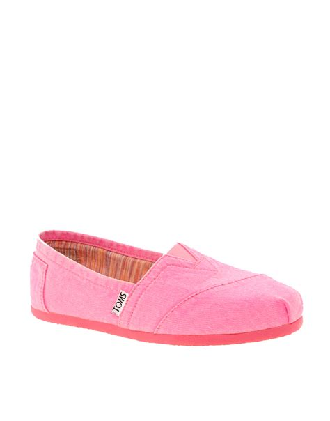 neon pink flat shoes lyst toms plametto neon canvas flat shoes in pink