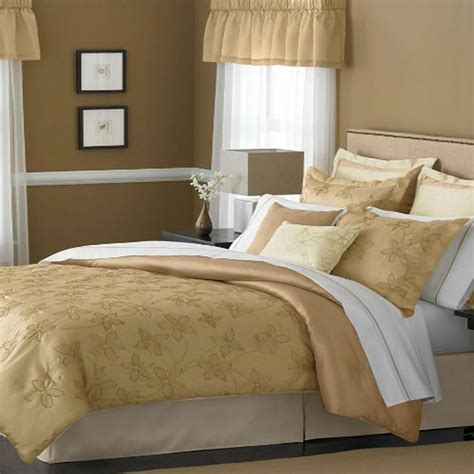 martha stewart bed in a bag martha stewart dune blossoms queen 9 piece comforter bed