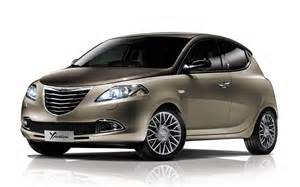 fiat freemont drive a slightly chrysler ypsilon front end photo 7